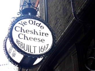 Ye Olde Cheshire Cheese pub, London
