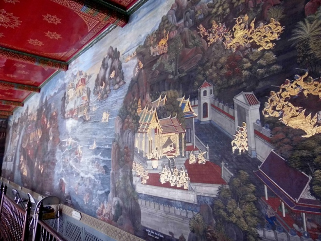 The wall paintings... understated but SO intricate and each part tells a story. I found it strangely fascinating.