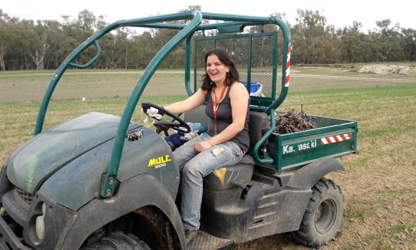Farm work, fruit picking, backpacker, working holiday visa, Australia