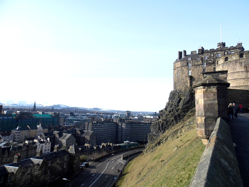 edinburgh castle old town grassmarket