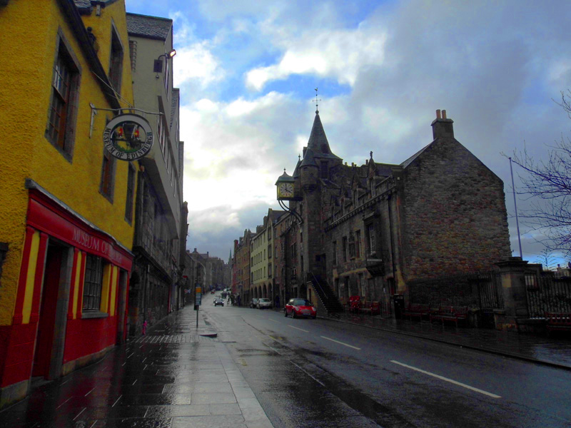 royal mile, high street, edinburgh, museum, scotland