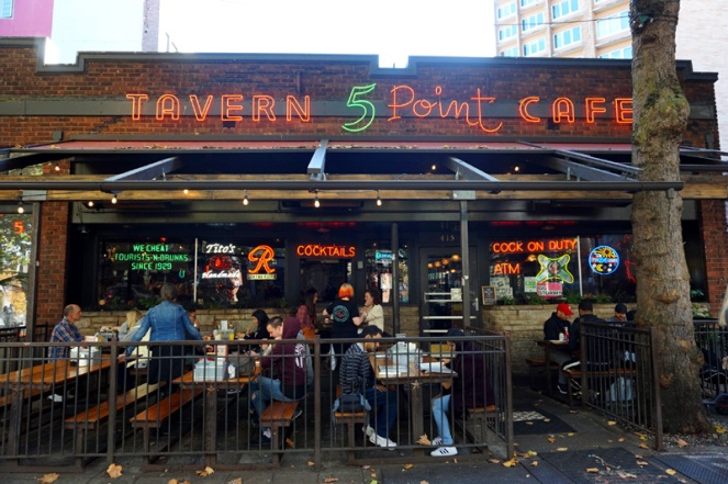 The 5 Point Cafe, Seattle, USA