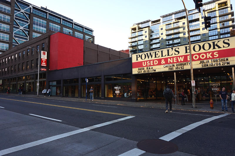 Powell's City Of Books, Portland, Oregon