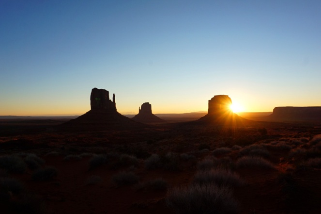 Sunrise, Monument Valley, Utah, USA