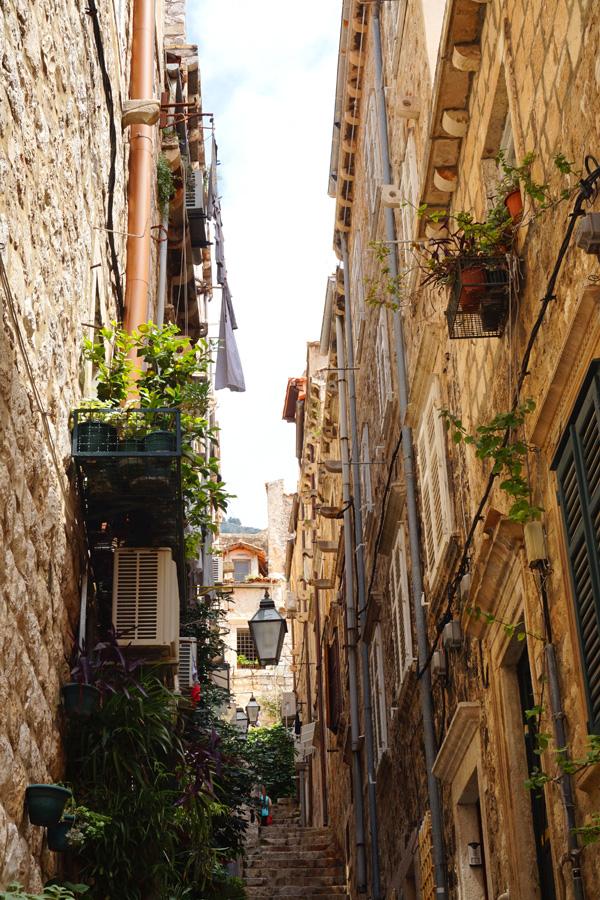 Alley way, Dubrovnik, Croatia