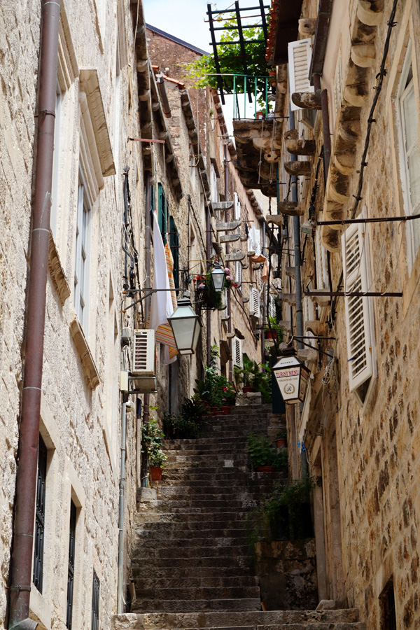 Alley way, Dubrovnik, Croatia