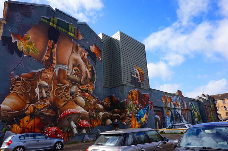 Foraging nature mural, Glasgow, Scotland