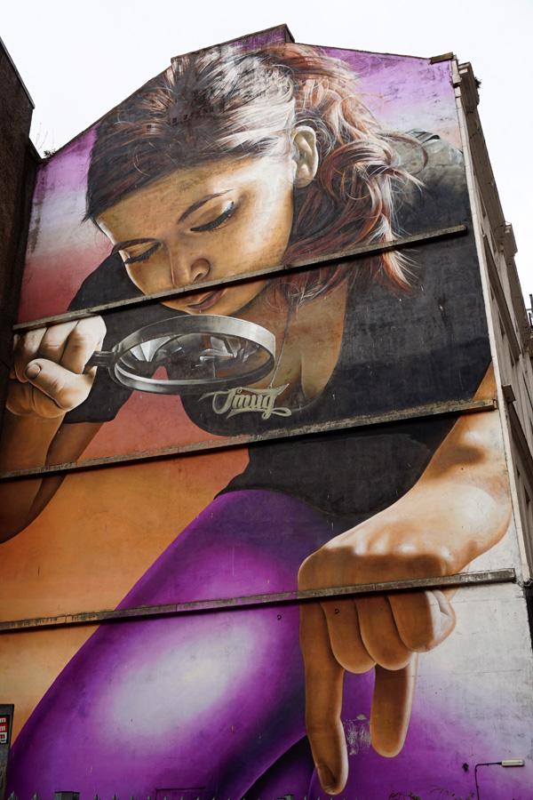 Magnifying glass street art, Glasgow, Scotland
