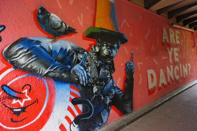 Duke of Wellington & pigeon street art with