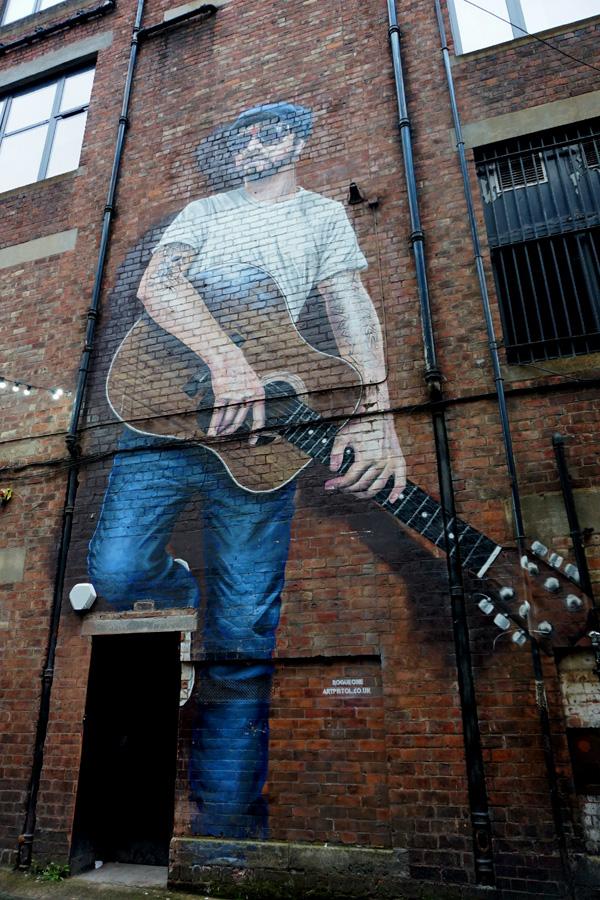 The musician street art, Glasgow, Scotland