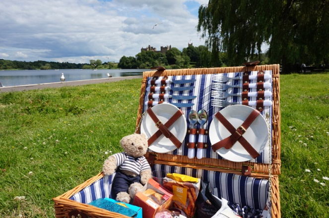 Picnic at Linlithgow Loch, Scotland